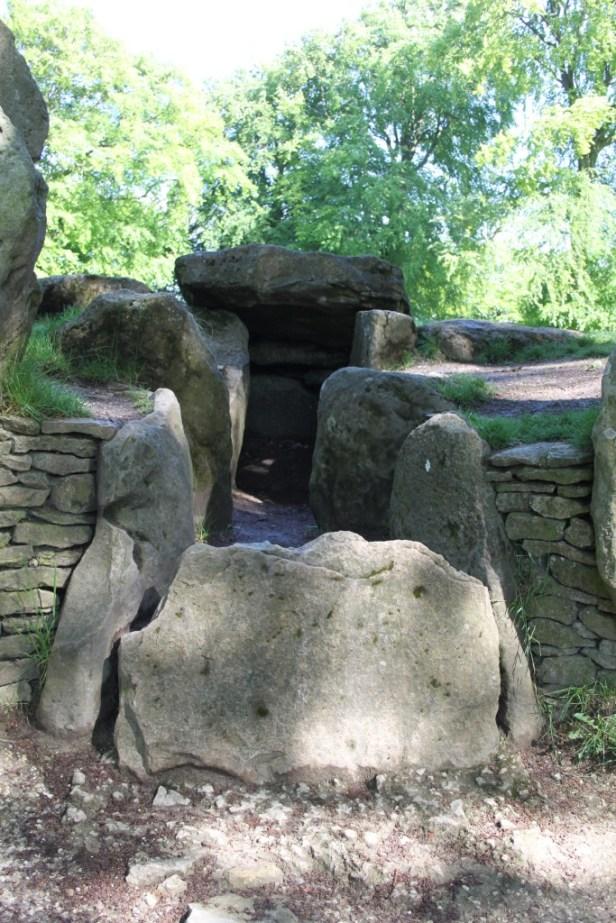Wayland's Smithy II: the blocked passage