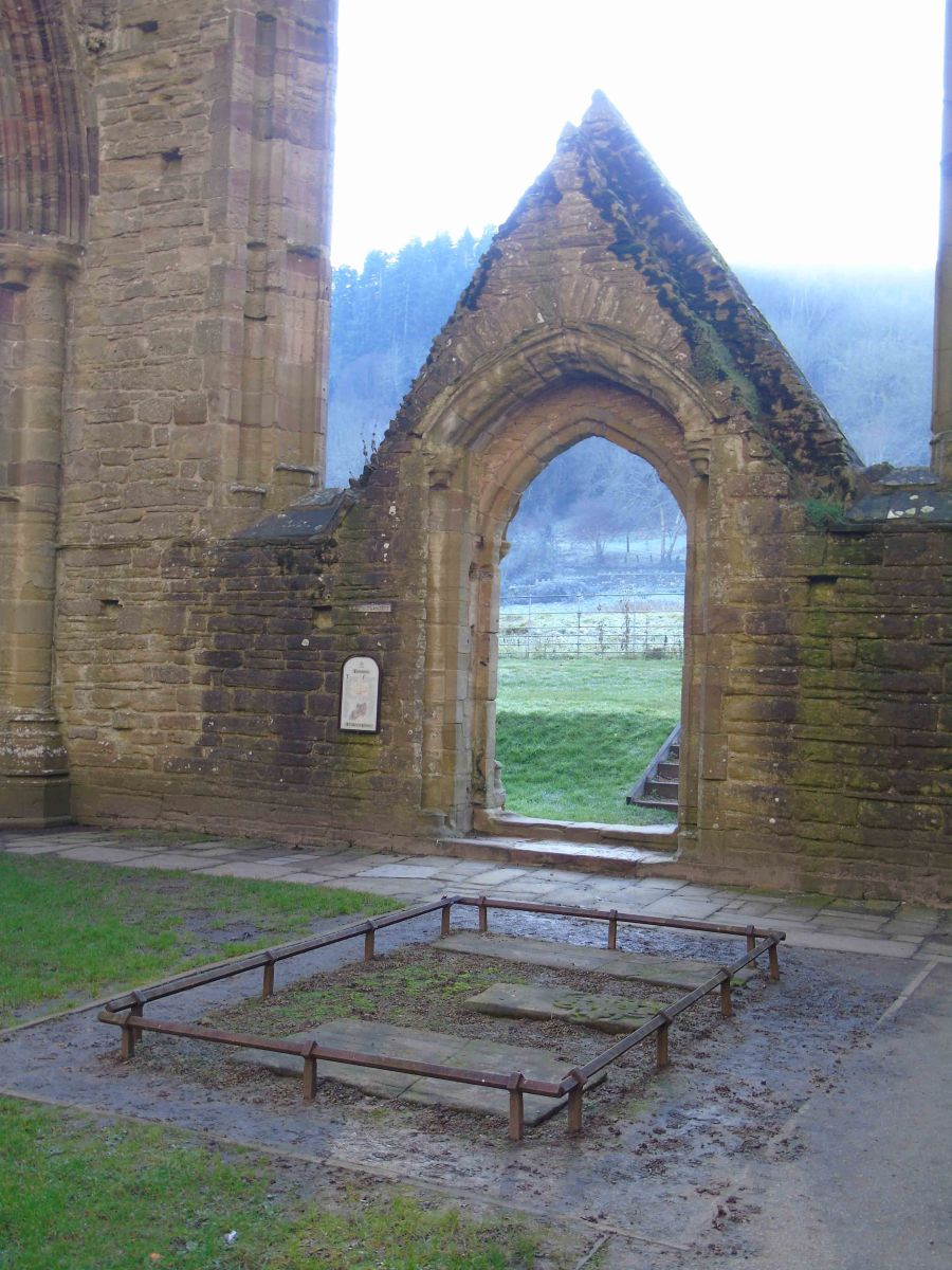 Archaeodeath at Tintern Abbey