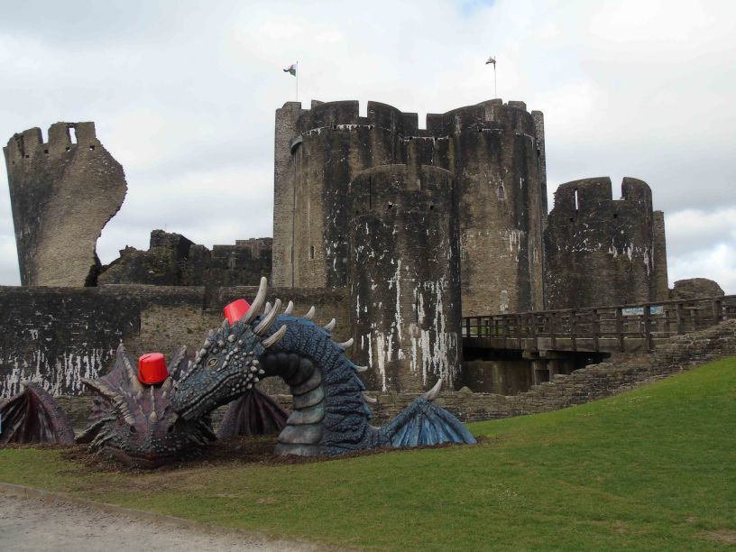Dragons at Caerphilly Castle – Archaeo𝔡𝔢𝔞𝔱𝔥